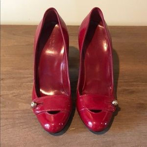 Gucci Red Patent Leather Pumps size 7.5